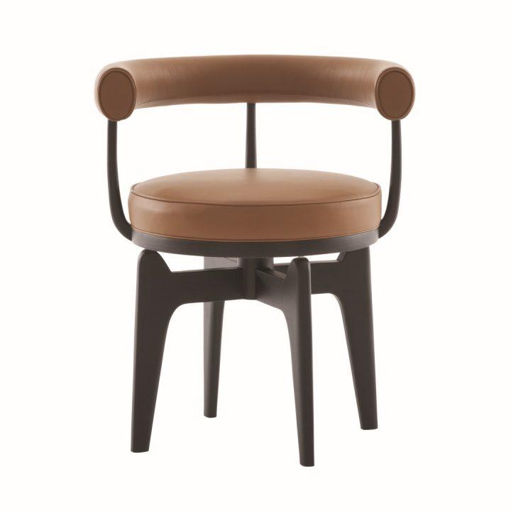 כסא בעל צורניות מעוגלת שעיצבה פרייהנד לקאסינה