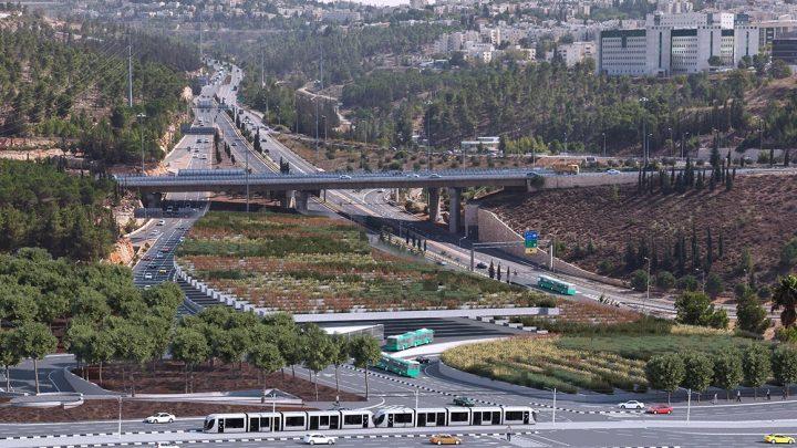 חניון אוטובוסים מקורה צמחייה בירושלים, תחילת עבודה 2017