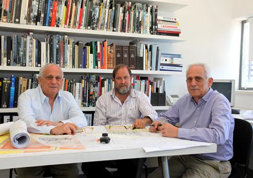 מימין: אמיר קולקר, רנדי אפשטיין ועופר קולקר