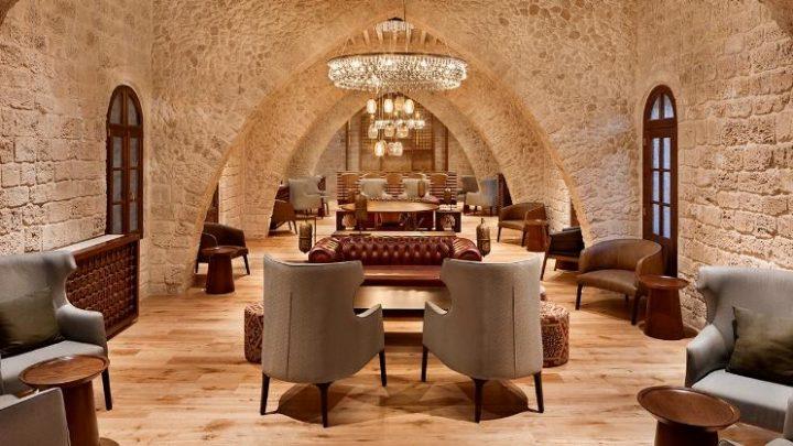 מלון סטאי, מאפיין את הגבול שבין יפו ותל אביב