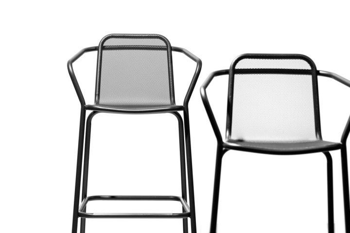 כיסאות חוץ, Todus