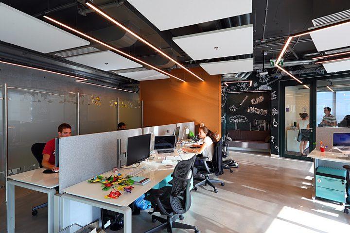 משרדי אוטודסק, קשר בלתי אמצעי, סתר אדריכלים