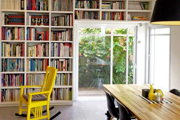 בספרייה הביתית, מגזינים וספרים מכל העולם