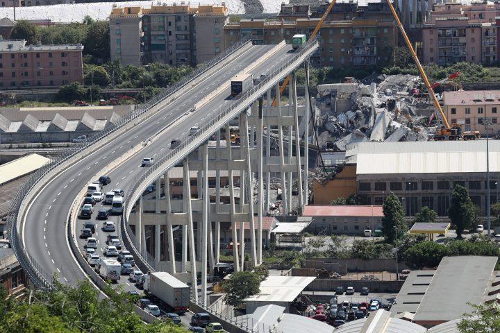 הגשר לאחר הקריסה