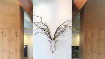 יצירת אמנות, לובי מלון יערים