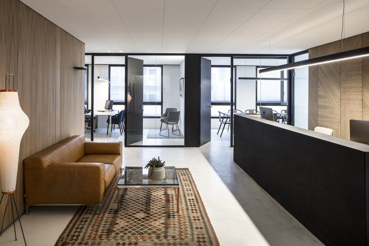 הכי טבעי ביחד, משרדים בתל אביב