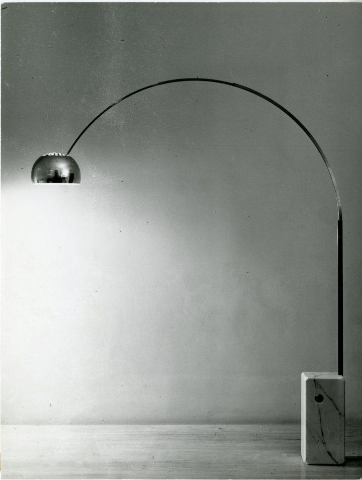 מהאיקונים של קסטיליוני, גוף תאורה ארקו לפלוס, 1962