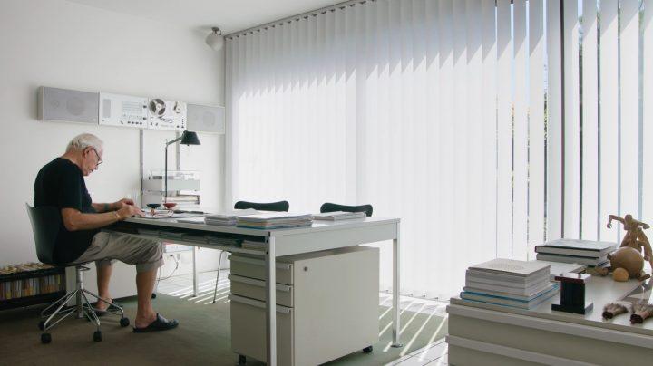 פונקציונאלי ומינימליסטי, חדר העבודה בביתו