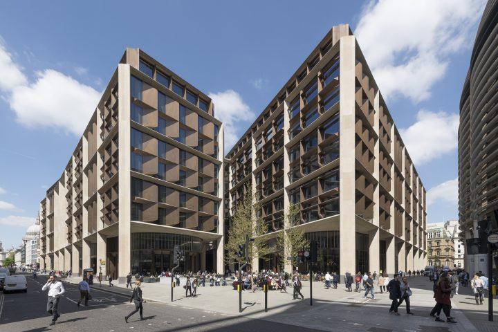 מטה בלומברג בלונדון, תכנון פוסטר ושות'