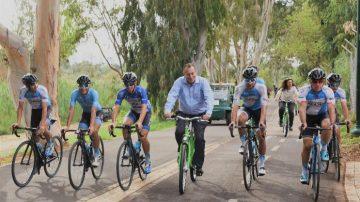 ראש העיר תל אביב-יפו בחנוכת שביל האופניים