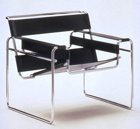 כסא וסילי של מרסל ברויר נראה בלא מעט סרטים וסדרות