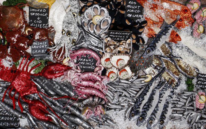 או דוכן של דגים בשוק