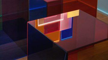 התעשייה בקטנה: צללים של צבע, רוח יצירתית ואוונגרד בסלון