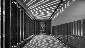 צלם האדריכלות אסף פינצ'וק מציג בתערוכה של LEGIT המוצגת בהרצליה