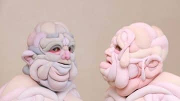 האמנית שמייצרת דמויות אנושיות-מפלצתיות ומעצבת תלבושות לביורק