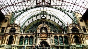 מתכננים ביקור בבלגיה? קבלו את המלצות העיצוב שלנו לבריסל ואנטוורפן