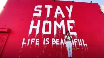 אמני הגרפיטי בעולם נלחמים בקורונה: מסכות, נייר טואלט ואהבה בצבע