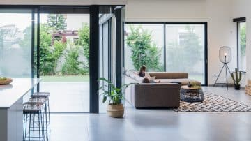 על תבונה ורגישות: הבית המשפחתי שנבנה בדגש על אור ואוויר