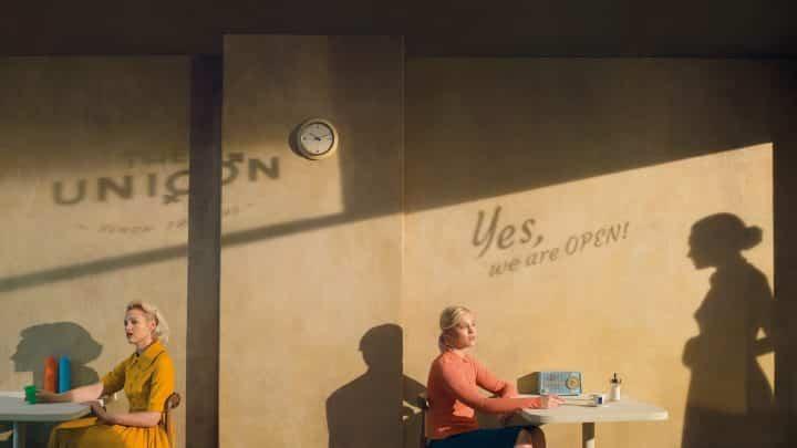 בית קפה, צל, נשים