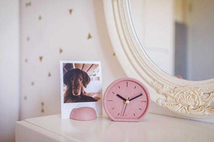 אורי ארואסטי, שעון, שעונים צבעוניים