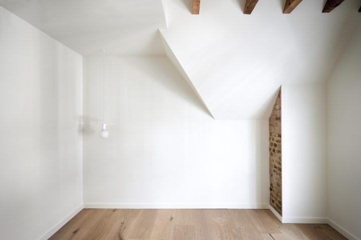 רצפת עץ, קורת עץ, עיצוב יערה גונר, טדי שגיא