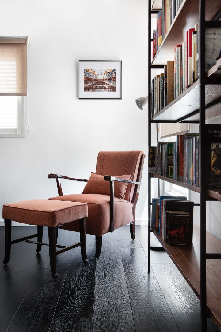 פינת ישיבה, כורסא יפה, ספריה, עיצוב פינת ישיבה