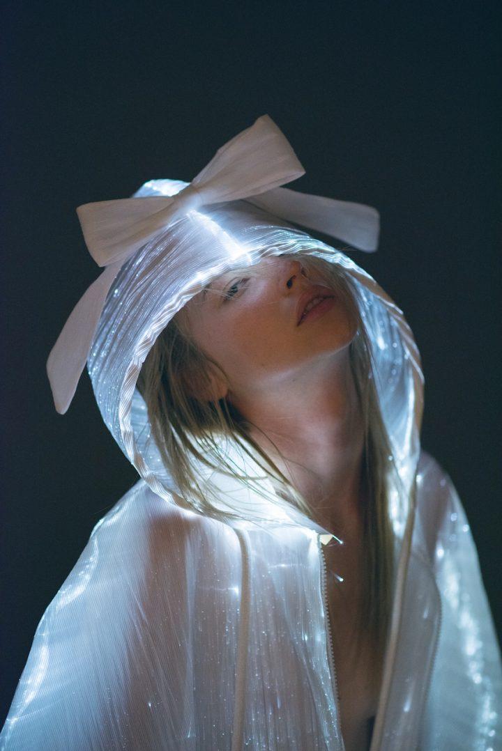 נועה שרביט, מעיל אור, שנקר, עיצוב טקסטיל