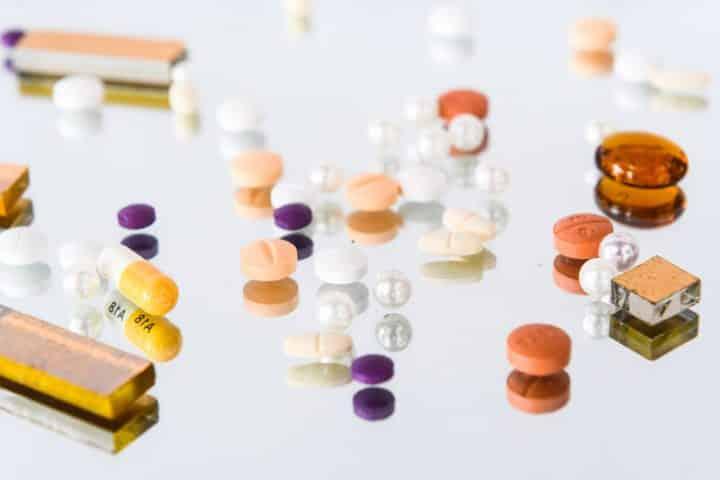 כדורים, סמים, סמינר הקיבוצים