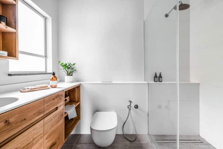 עיצוב חדר שירותים, עיצוב לבן