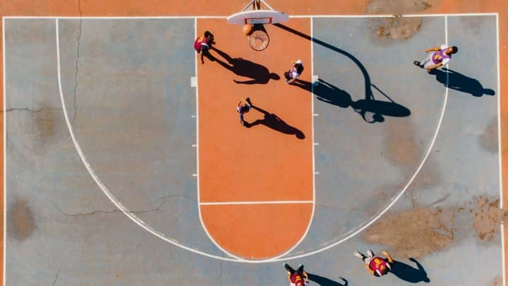 מגרש כדורסל