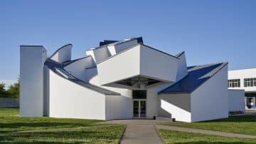 מנהל אחד המוזיאונים החשובים בעולם בריאיון על תפקיד העיצוב בחיינו